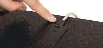 Fermeture complète du passe-câble